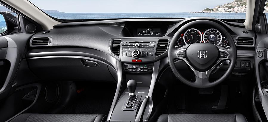 2013-honda-accord-tourer-interior-dashboard-picture